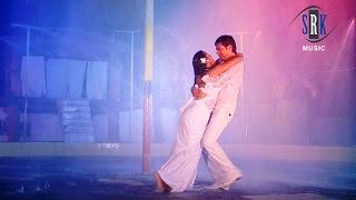 getlinkyoutube.com-O Re Piya | O Sathiya Bahiya Mein Aava | Bhojpuri Movie Romantic Rain Song | Sun La Mitwa Hamar
