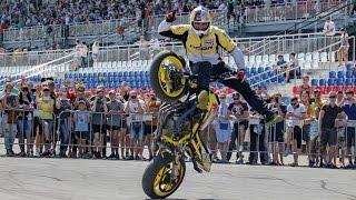 getlinkyoutube.com-Red Bull Flugtag Aras Stunt Show