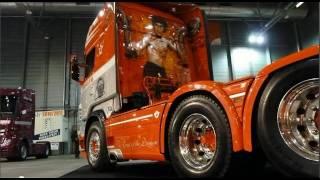 getlinkyoutube.com-S. Verbeek - Scania V8 R730 New Truck!