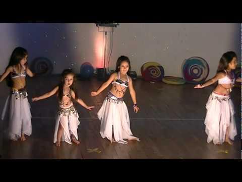 bailarina de arabe de 2 años .alma