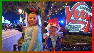 getlinkyoutube.com-We had Fun at Mickey's Very Merry Christmas Party | Walt Disney World | The Disney Toy Collector