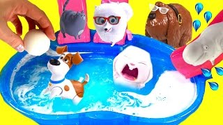 getlinkyoutube.com-The Secret Life of Pets Dive for Toy Surprises in Bath Bomb Pool! Blind Bags & Mashems!