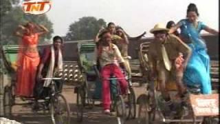 getlinkyoutube.com-Bhail Ba Jiyra Pagal-Niruhu Express Bhojpuri Hit Romantic Dance Song