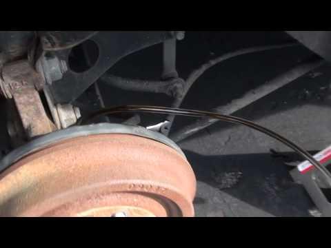 Brake Bleeding On Non-ABS Saturn SL2