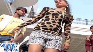 getlinkyoutube.com-Mund Ke Chala Taru Duno Hole मूंद के चल तारु दुनो होल - Akhiya AK 56 Ba - Bhojpuri Hot Songs 2015 HD