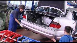 getlinkyoutube.com-Mercedes W210 AMG - hand assembly and production