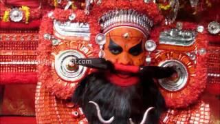 Kshetrapalakan Theyyam at Neeleshwaram Mandhampurathu Kavu 1080p HD