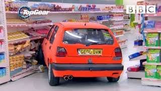getlinkyoutube.com-Richard Hammond and team play Supermarket Sweep in Hatchbacks - Top Gear: Series 21 Episode 1 - BBC