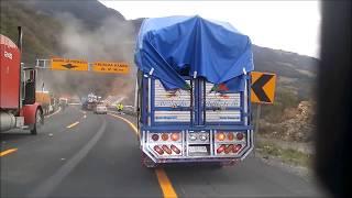 """getlinkyoutube.com-""""Trailer sin frenos bajando las Cumbres de Maltrata""""."""