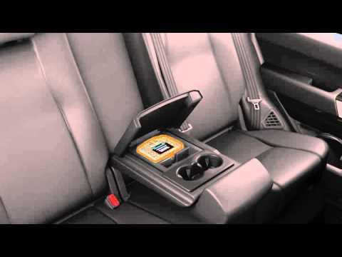Range Rover 13 модельного года: мультимедийная система для пассажиров задних сидений