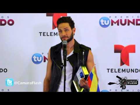 CámaraFlash - Gabriel Coronel en el Media Room de Premios Tu mundo 2014