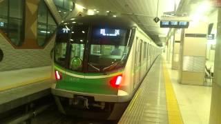 getlinkyoutube.com-【珍事】東京メトロ千代田線16000系が小田急線新宿駅に入線