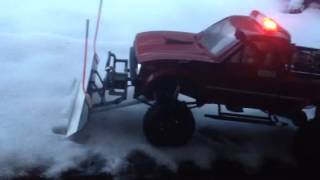 getlinkyoutube.com-Rc4wd snow plow on trail finder 2