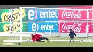 El simpático juego de Claudio Bravo y su hijo en el entrenamiento | Copa América Chile 2015
