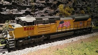 getlinkyoutube.com-GoPro Train Ride - Lionel Legacy Union Pacific SD70ACe #8444