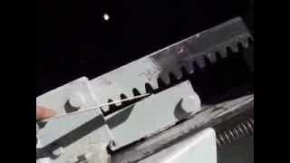 getlinkyoutube.com-Kinetic baler Flywheel log/wood splitter in detail