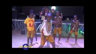 getlinkyoutube.com-Gw'osalawo-The Triplets Live-Ziza Bafana