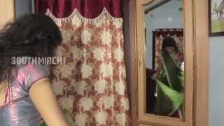 getlinkyoutube.com-Young Girl Off Saree Change At Hostel