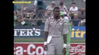 getlinkyoutube.com-The best bowler ever in cricket- prepare to be amazed, 71 killer wickets