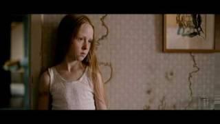 getlinkyoutube.com-flickan - jag är stark (filmklipp)