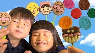 getlinkyoutube.com-アンパンマン ペロペロチョコ Anpanman Lollipop Chocolates