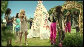 getlinkyoutube.com-Shake it Up - 'Fashion is my Kryptonite' - Music Video