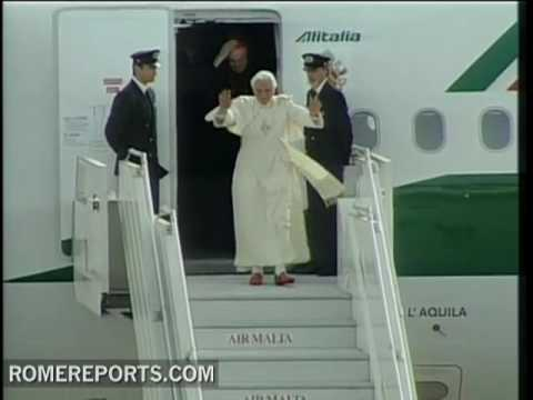 Pope arrives to Malta