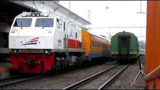 getlinkyoutube.com-CC201 83 48 Feat KA Tawang Jaya Berangkat Stasiun Pasar Senen