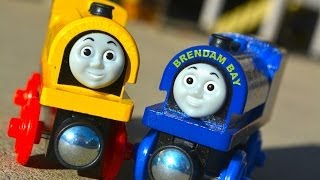 getlinkyoutube.com-BILL & BEN - NEW 2014 Thomas The Tank Engine Wooden Railway Toy Train Review By Fisher Price Mattel