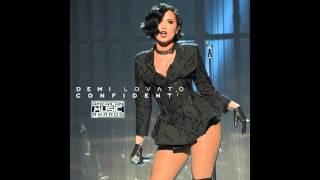 getlinkyoutube.com-Demi Lovato - Confident (Live On AMAs)