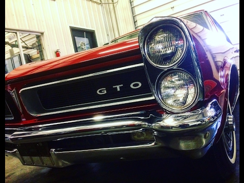 GTO OIL CHANGE- CLASSIC CAR HOW TO CHANGE OIL AND FILTER