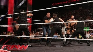 getlinkyoutube.com-The Shield vs. Evolution WWE Payback contract signing: Raw, May 26, 2014
