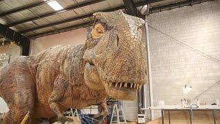 getlinkyoutube.com-Inside the Factory Where Robotic Dinosaurs Come to Life