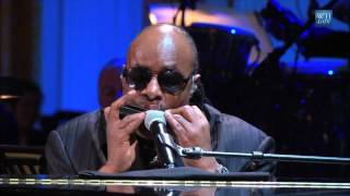 """Stevie Wonder performs """"Alfie"""" at the Gershwin Prize for Hal David and Burt Bacharach"""