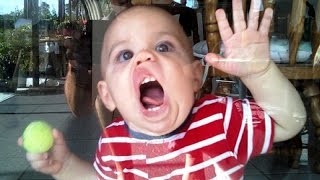 getlinkyoutube.com-Cute funny kids and toddlers just never fail to amuse us - Funny child compilation