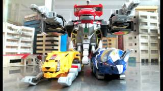 getlinkyoutube.com-Mighty Morphin PR - Dino Megazord transformation stop motion
