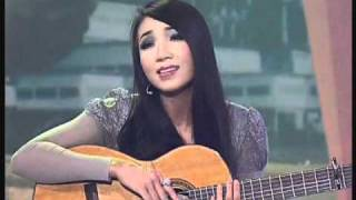 getlinkyoutube.com-Chào Việt Nam - Quỳnh Lan - Lê Tự Minh (QCLN)