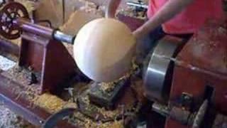 getlinkyoutube.com-How to make a perfectly round wood ball