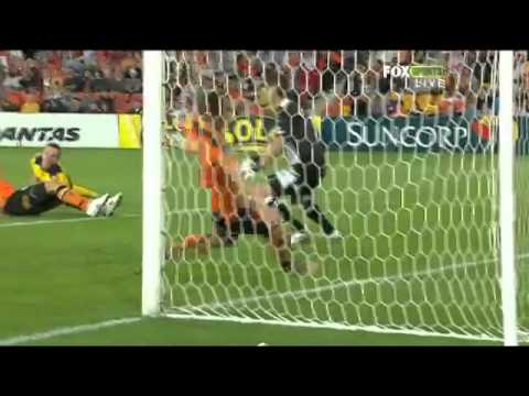 A-League - Brisbane Roar vs Central Coast Mariners (Round 1 2011/2012)