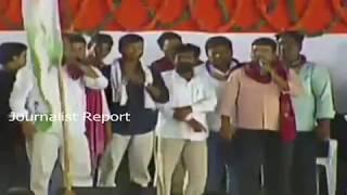 తెలంగాణ దొరపాలన అయిందంటూ కేసీఆర్ సర్కార్ పై పాట Song on CM KCR Govt at Congress Public Meeting