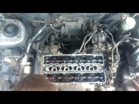 Замена прокладок клапанных крышек Mitsubishi Carisma 1.8 GDI