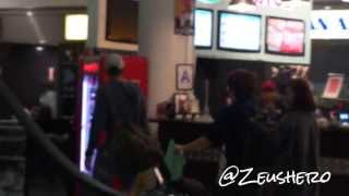 Tiffany SNSD arriving for Youtube Awards in NYC @ JFK airport NYC 131102