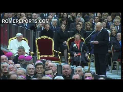 Italian president becomes emotional during concert with Pope
