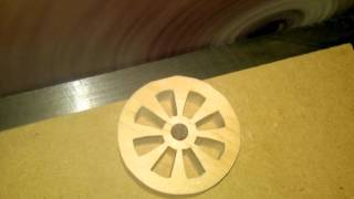 getlinkyoutube.com-How to make consistent round wheels on the scroll saw.