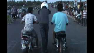 getlinkyoutube.com-Drag Bike Liar pur puran Vega vs Vega