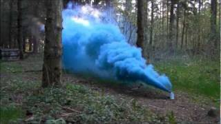 getlinkyoutube.com-Testing a Blue Smoke Grenade from Tifo.it