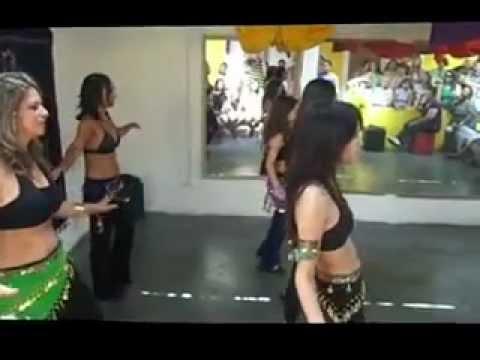 Apresentação das alunas Lara, Vanessa, Gabriela, Vanice e Claudia