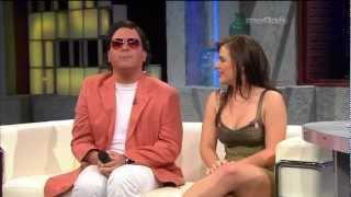 getlinkyoutube.com-Cantante Cubana Lorena y Julio Iglesias Entrevista en Esta Noche Tu Night (4-16-12)