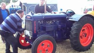 getlinkyoutube.com-crank fordson tractor