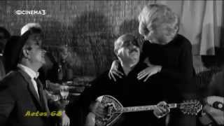 getlinkyoutube.com-Πρόδρομος Τσαουσάκης - Παλάτια χρυσοστόλιστα (Χαρέμια με διαμάντια) (Τραγούδια Κινηματογράφου)